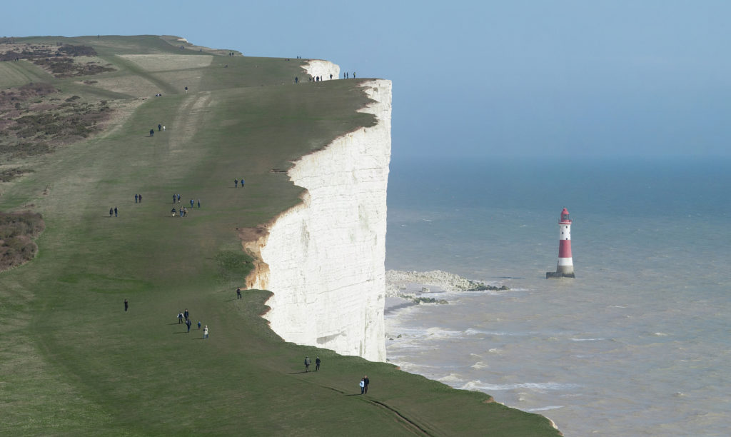 Beachy_Head_and_Lighthouse,_East_Sussex,_England_-_April_2010_crop_horizon_corrected